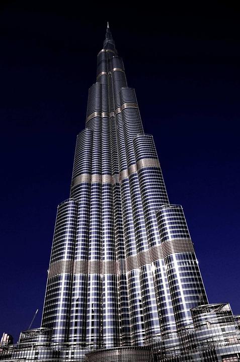 アラブ首長国連邦のドバイに建設されたブルジュ・ハリファという160階建ての高層ビル